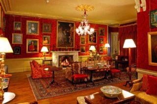 Aldourie Castle lounge