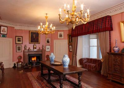 Aldourie-Castle-to-rent-in-Scotland18