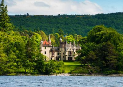 Aldourie-Castle-to-rent-in-Scotland23