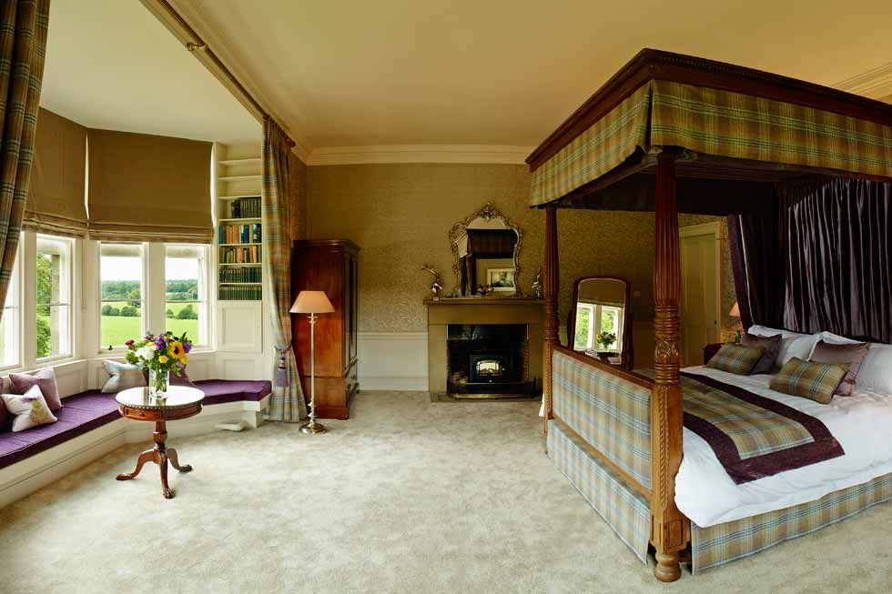 Photo of a beautiful bedroom suite at Lachlan Castle