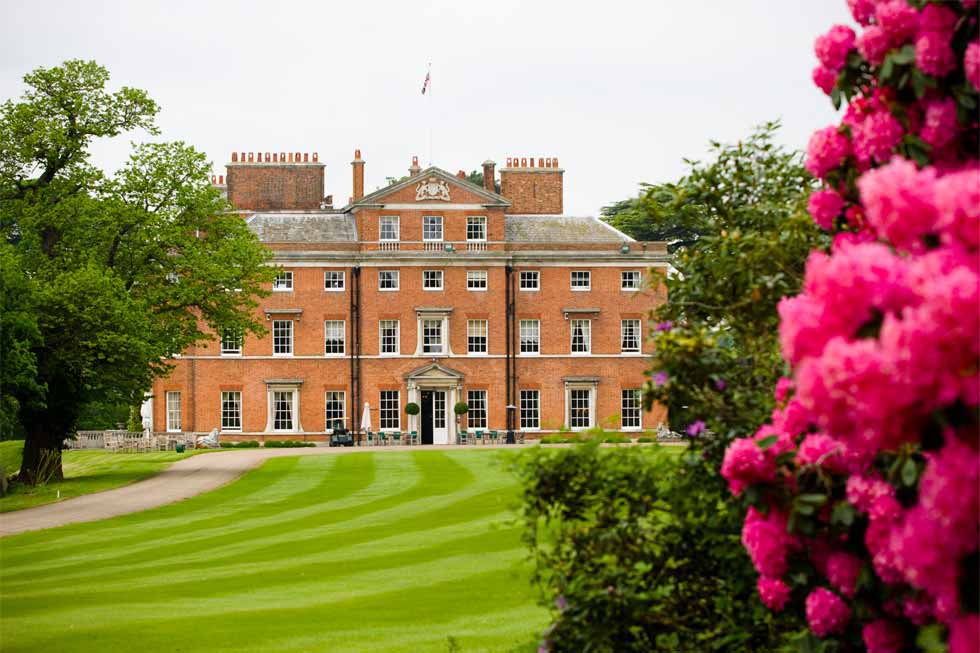 The stunning gardens of Byron Court