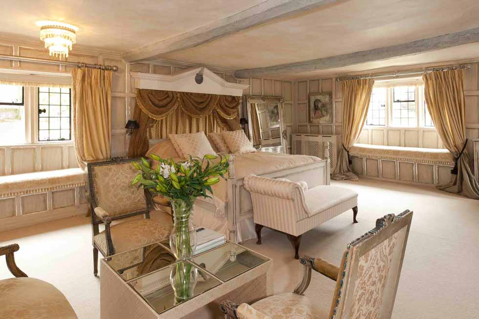 Beautiful Bedroom suite at Painswick Hall