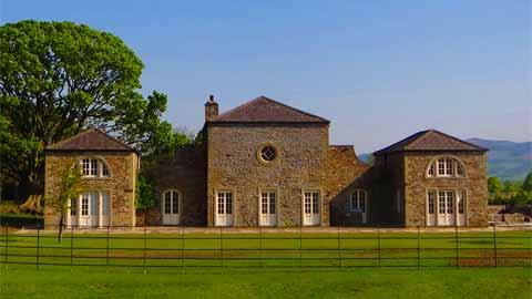 Thowra House