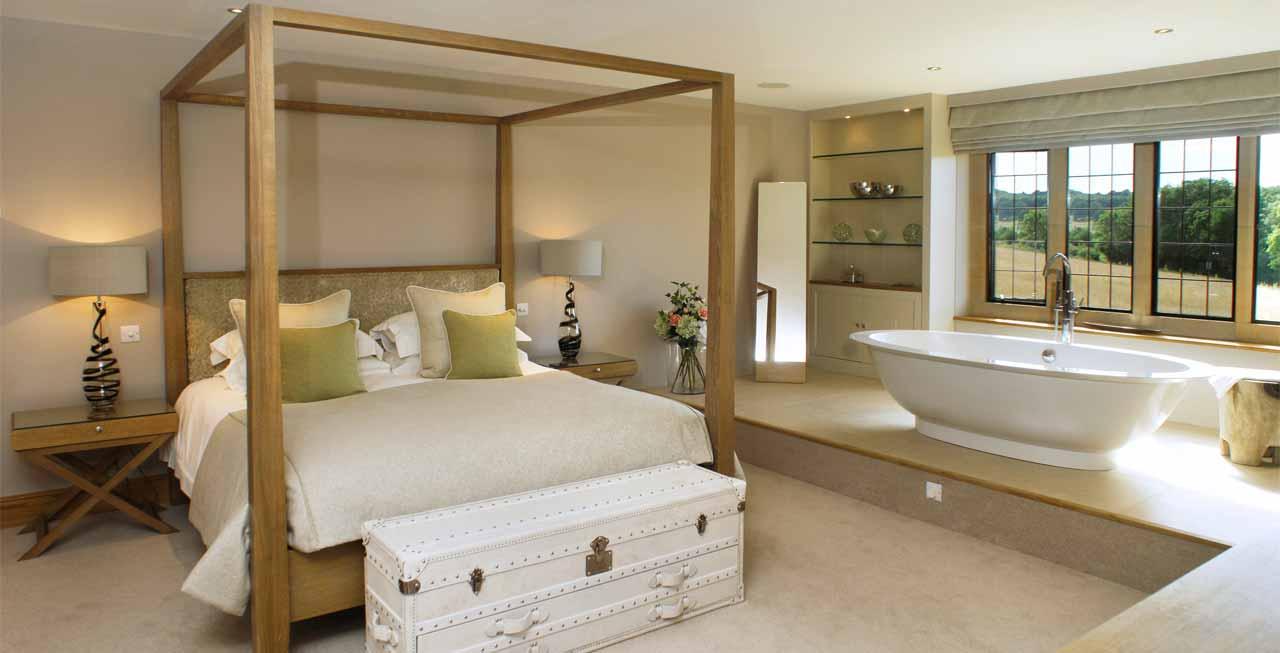 Photo of one of the beautiful bathroom suite in Elkstones