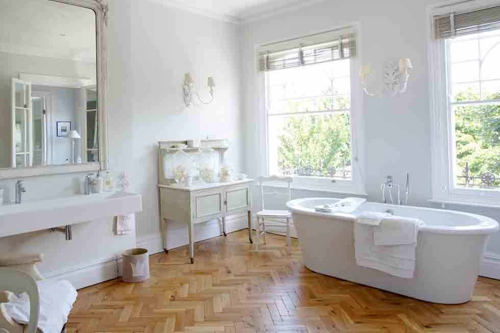 Elmbourne House bathroom