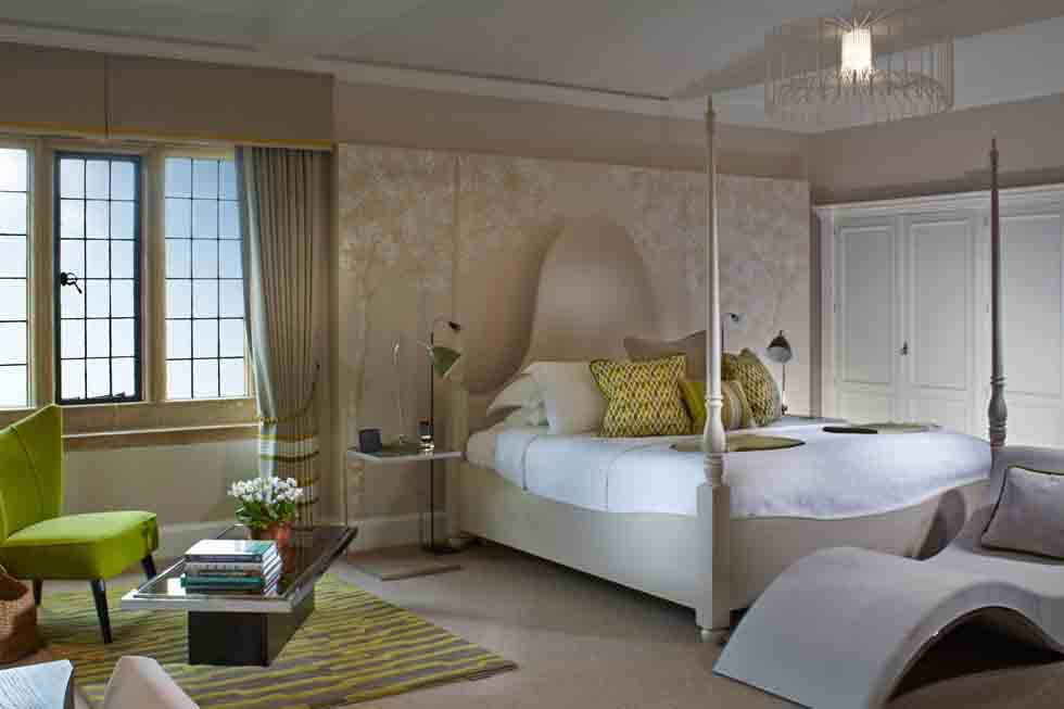 A Broadway Manor bedroom suite