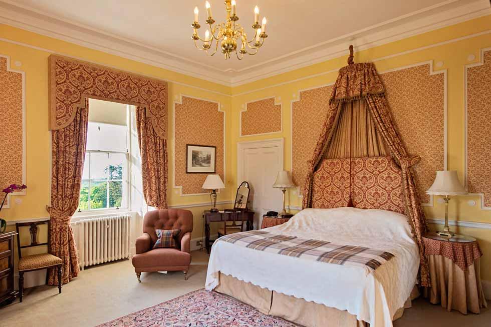 Photo of the Ailsa Craig bedroom at Glenapp Castle