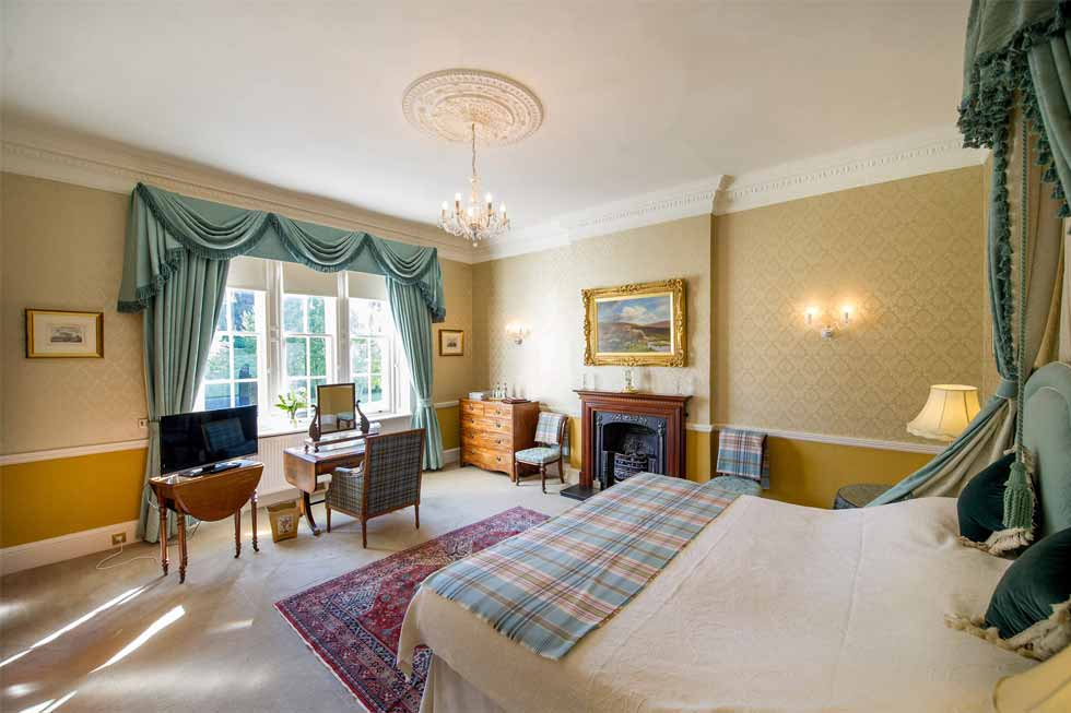 Photo of the Hunter bedroom suite at Glenapp Castle