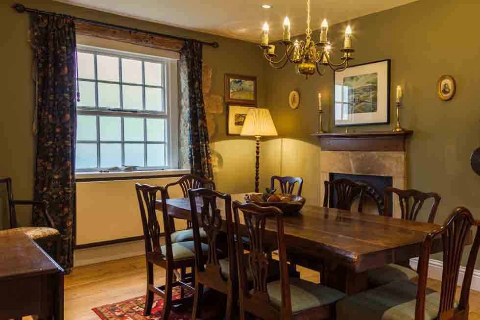 Maylie Cottage' dining room