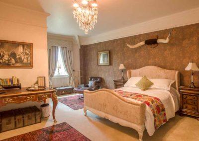 Hinwick-House-the-luxury-mansion-10