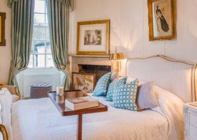 Hinwick-House-the-luxury-mansion-12