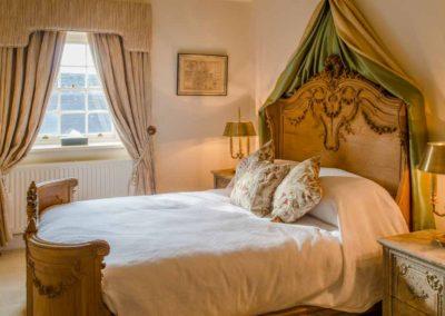 Hinwick-House-the-luxury-mansion-17