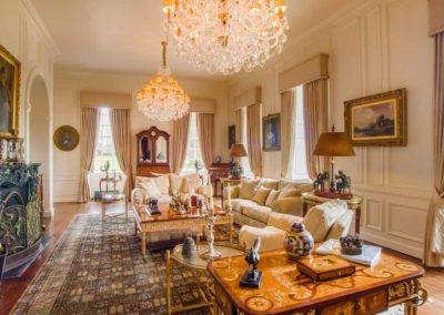 Hinwick-House-the-luxury-mansion-2