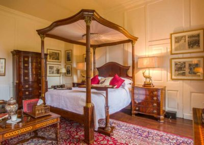 Hinwick-House-the-luxury-mansion-21