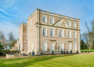 Hinwick-House-the-luxury-mansion-27