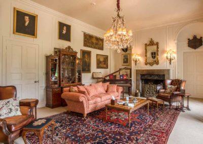 Hinwick-House-the-luxury-mansion-3