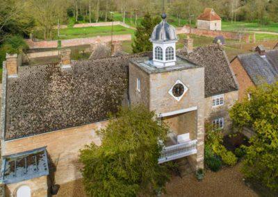 Hinwick-House-the-luxury-mansion-31