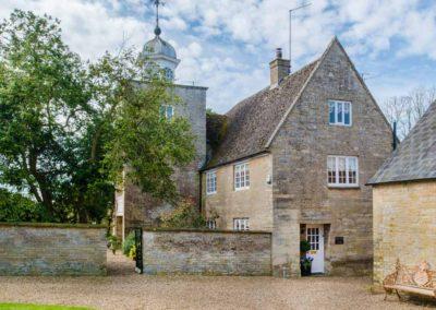 Hinwick-House-the-luxury-mansion-33