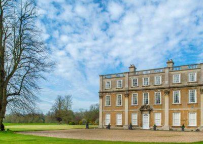 Hinwick-House-the-luxury-mansion-36