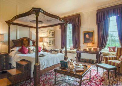 Hinwick-House-the-luxury-mansion-4
