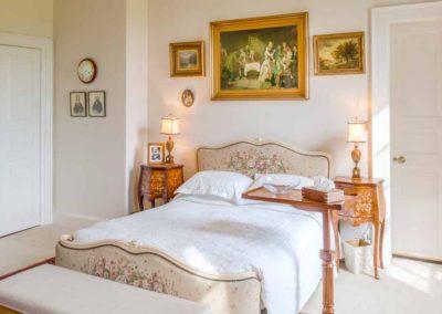 Hinwick-House-the-luxury-mansion-5