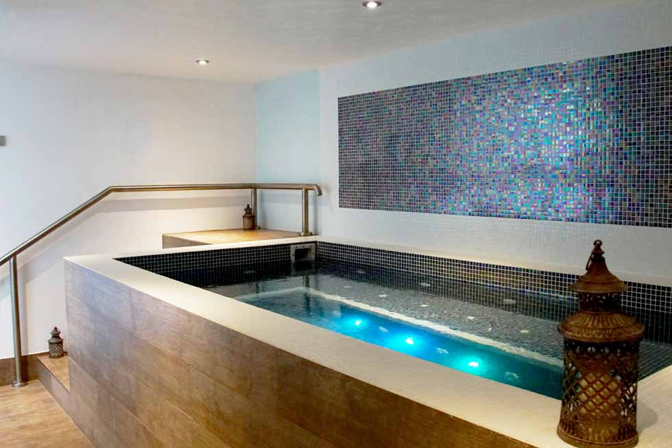 Photo of the hydrotherapy pool at Kinross House