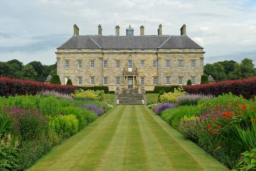 Photo of Kinross House's beautiful gardens
