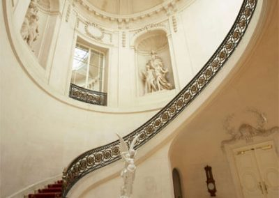 Photo of the staircase at Luton Hoo