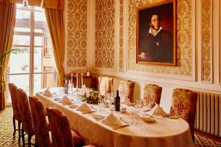 Photo of a meeting room at Luton Hoo