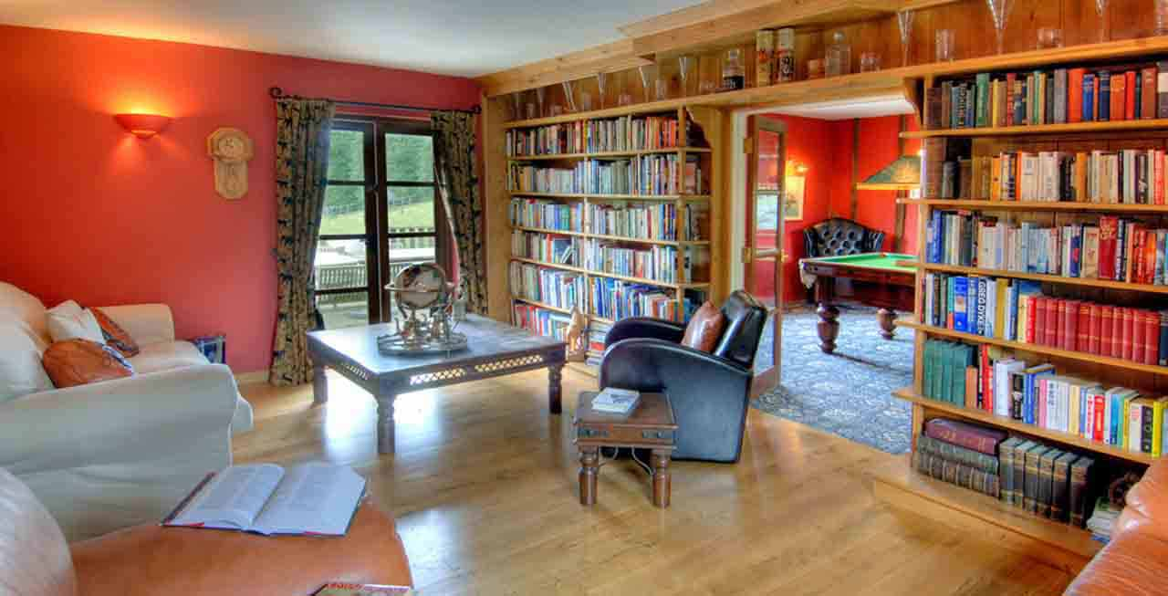 Enjoy a read in Manor Farmhouse's library