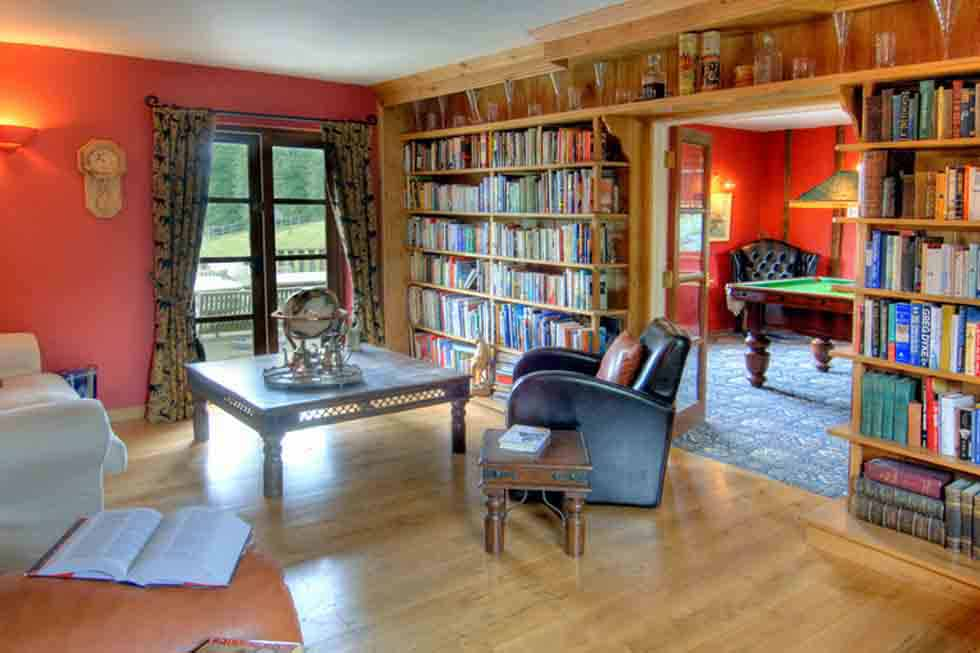 Manor Farmhouse's library room