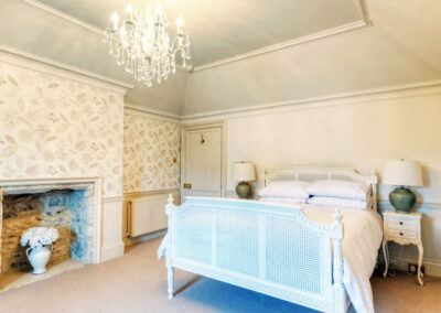 Photo of the Half Moon bedroom at Pennsylvania Castle Estate