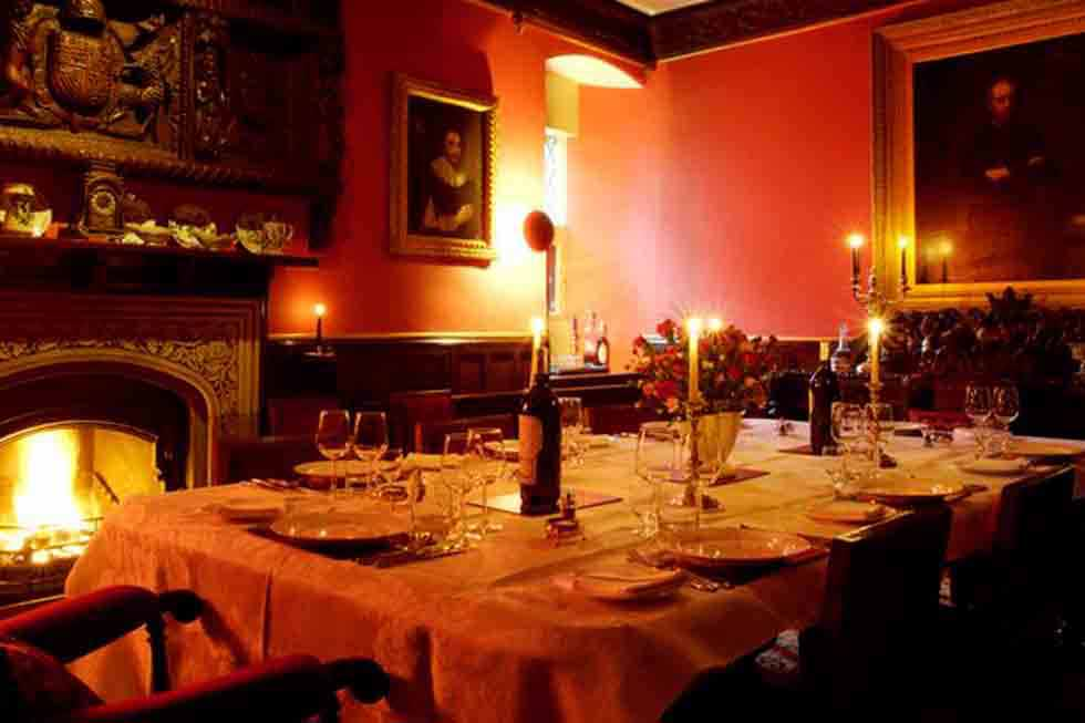 Pentrehobyn Hall dining room