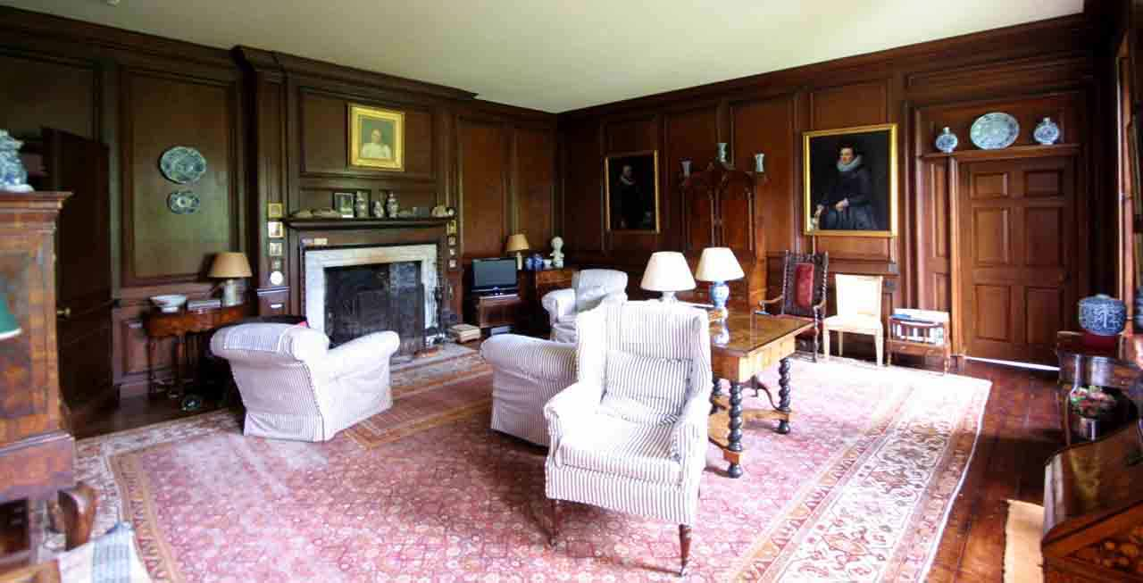 The main lounge at Smedmore House