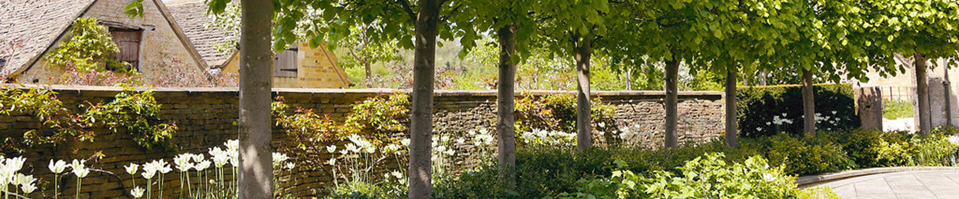 Photo of the gardens at Temple Guiting Barn