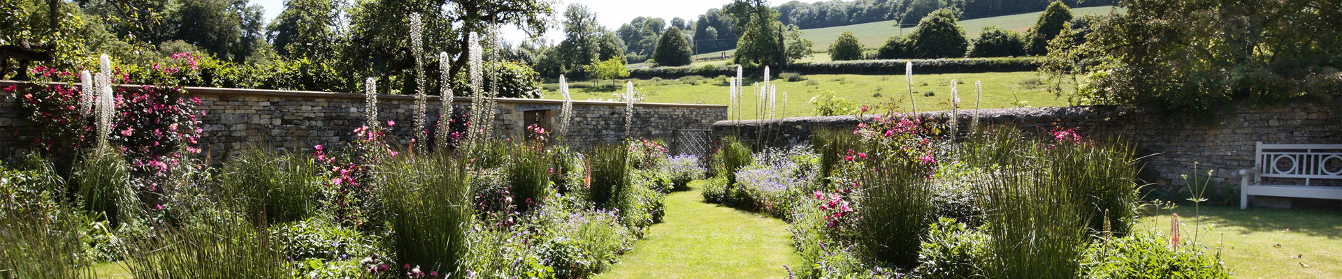 Photo of the beautiful gardens at Arisan Barn