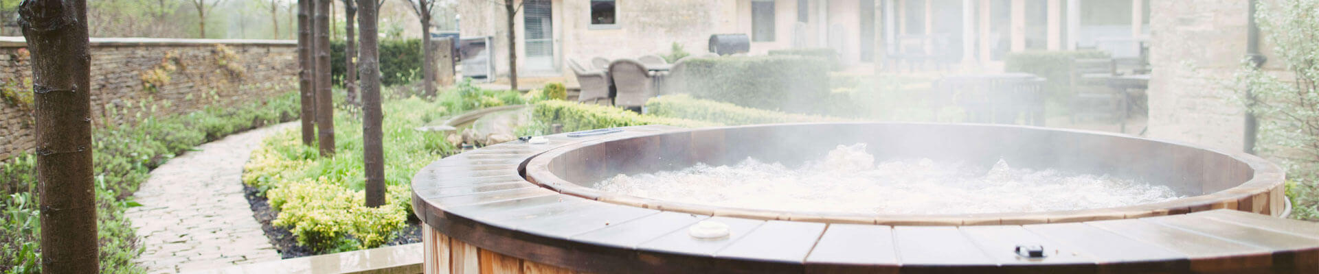 Photo of the hot tub at the Arisan Estate