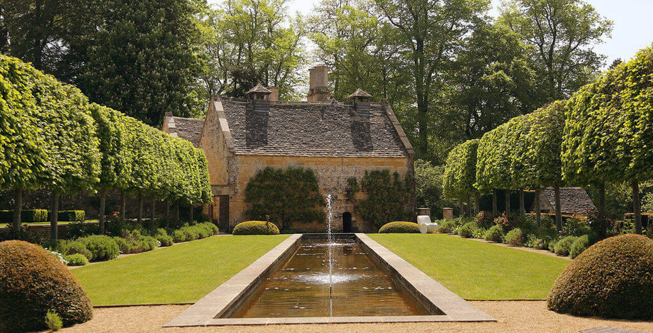 Photo of the gardens at Temple Guiting Manor