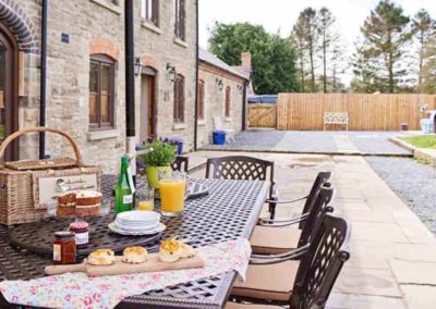The Barns the luxury house to rent in England 8