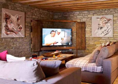 The Barns the luxury house to rent in England mobile5