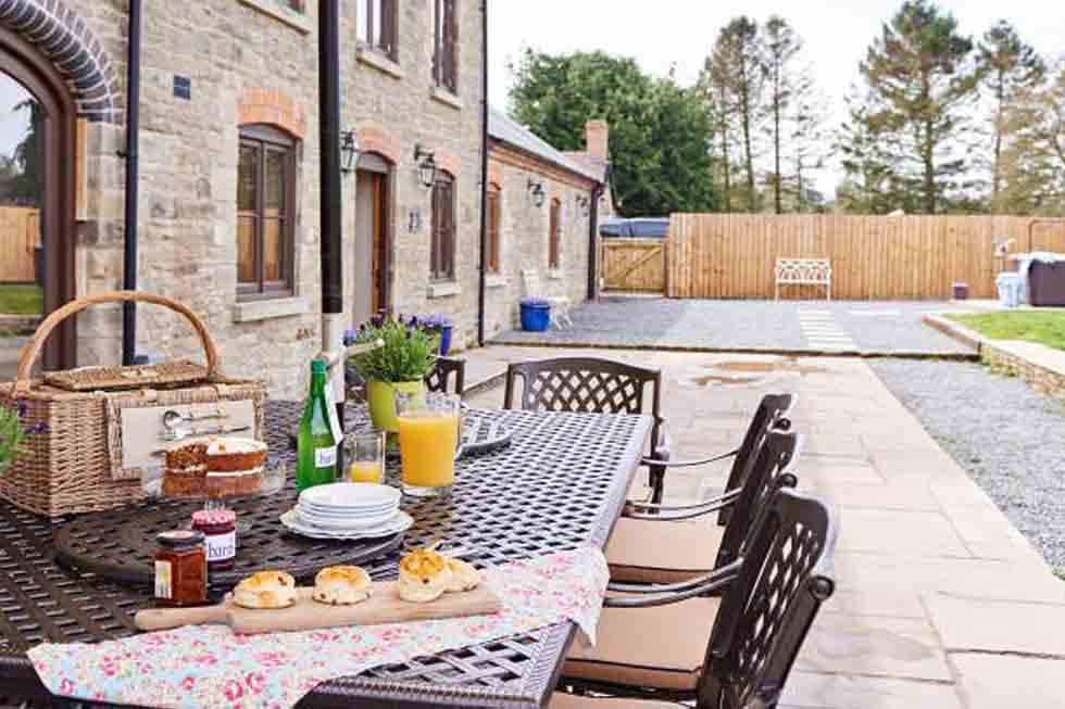 Outdoor dining at The Barns