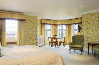 Photo of a large garden bedroom at The Elvetham