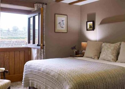 The Old Byre the luxury house to rent in England mobile1