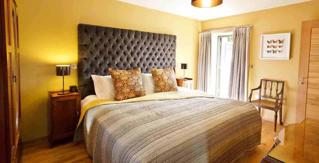 The beautiful ensuite bedrooms at Tregulland Barn