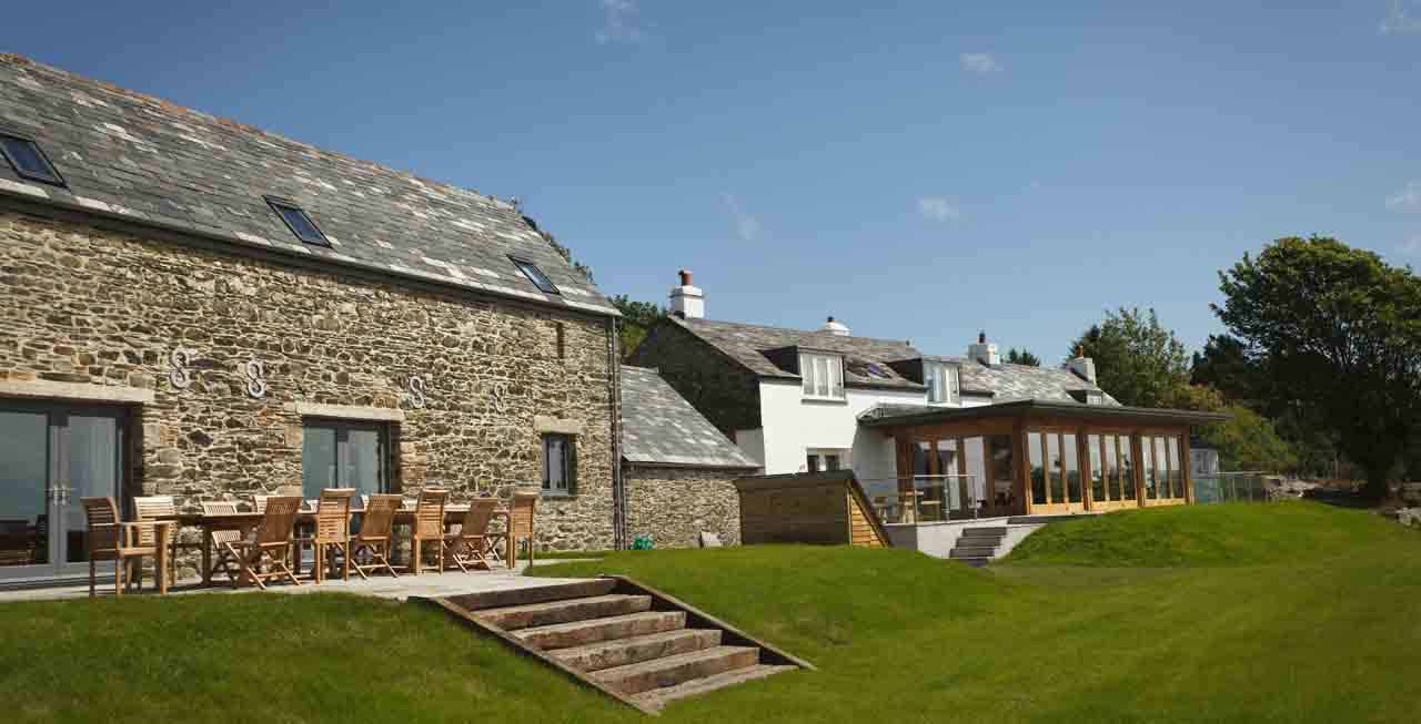 Tregulland Barn Cornwall the luxury house to rent in England