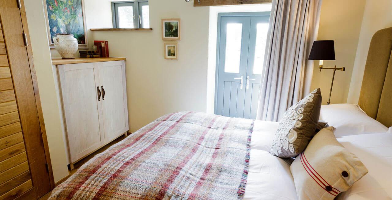 Photo of Tregulland Barn has stunning bedrooms