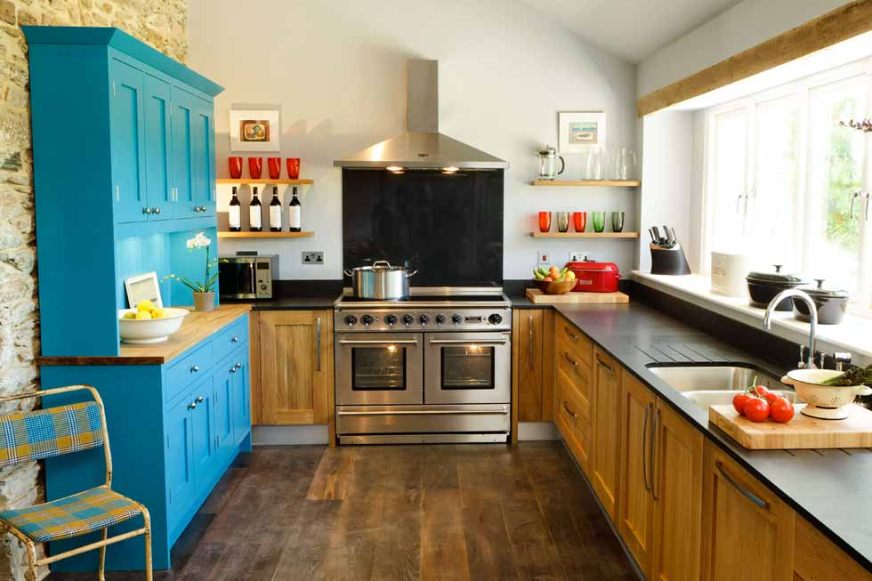 Tregulland Cottage kitchen