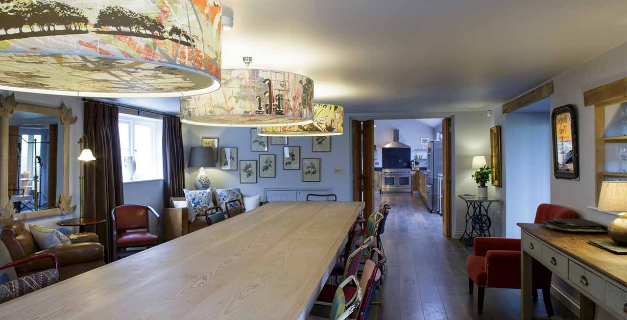 Photo of the large dining area at Tregulland Retreat
