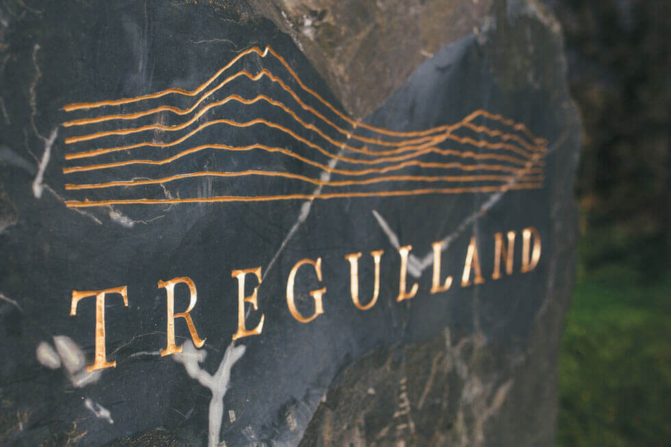 Photo of Tregulland's sign